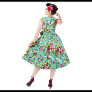 Dresses & Skirts - Floral Sweetheart Swing Dress